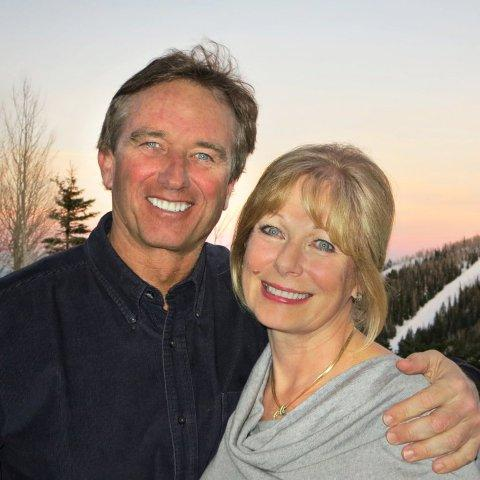 Robert F. Kennedy, Jr. and Susan Swartz have partnered to encourage environmental campaigning susan@susanpr.com_.jpg