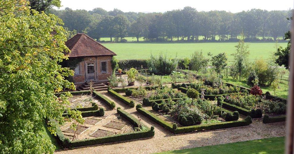 whithurst park.jpg